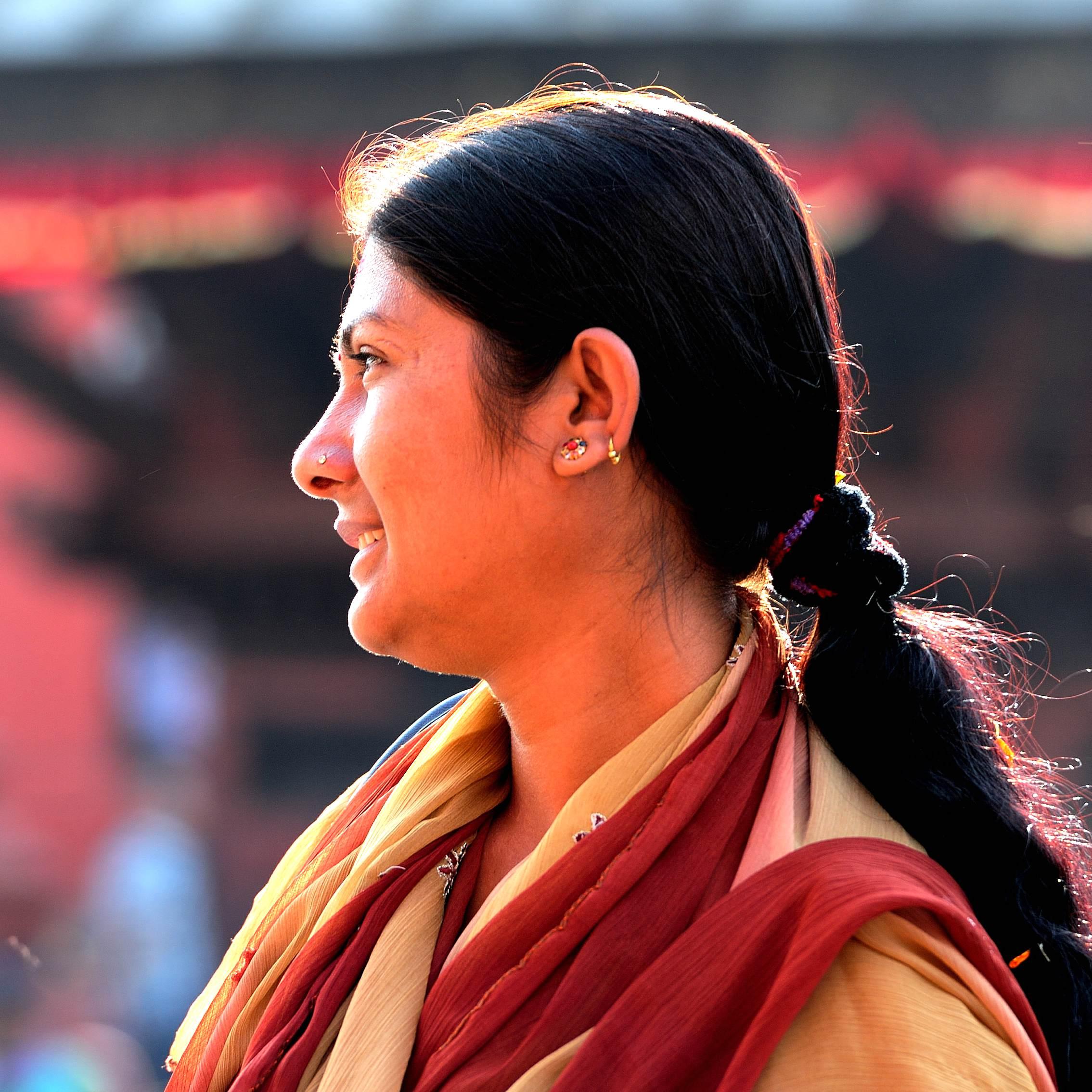 烧尸庙卖呆的美女 走进尼泊尔