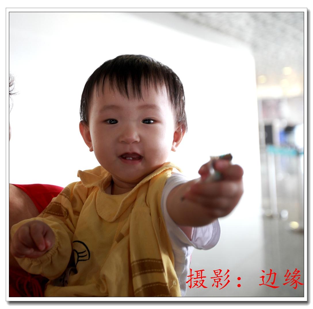 漂亮可爱的小宝宝-行摄天下-大众摄影网