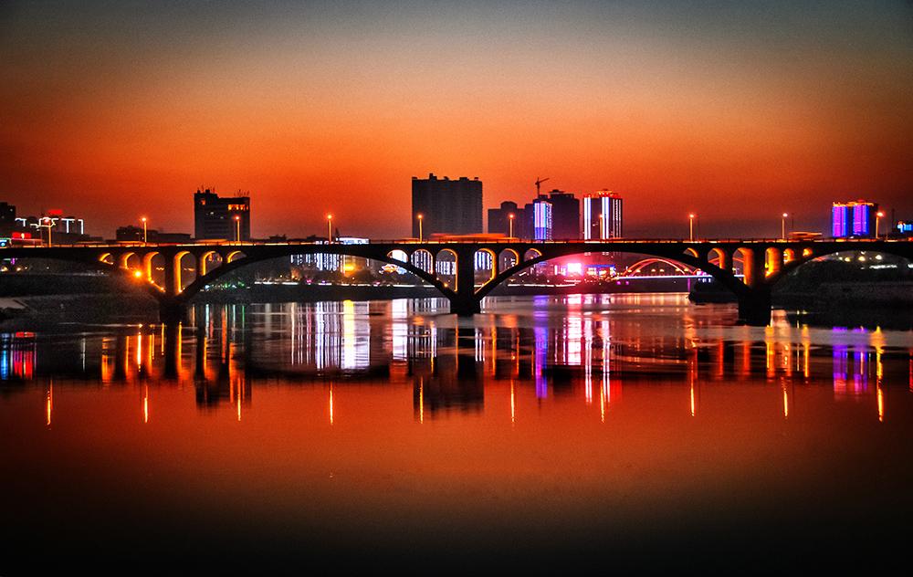 01--dsc_7764邵阳资江大桥 夜色 1968年12月底建成通车 2013.11.25摄.